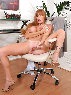 Anilos.com - Freshest mature women on the net featuring Anilos Darla Crane anilos milf