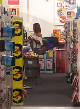 Supermarket Public Sharking