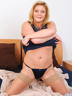 Anilos.com - Freshest mature women on the net featuring Anilos Ginger Lynn horny mature