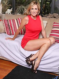 Anilos.com - Freshest mature women on the net featuring Anilos Jodi West anilos picture