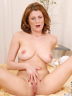 Anilos.com - Freshest mature women on the net featuring Anilos Maiky free mature pic