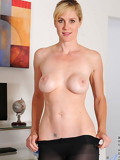 Anilos.com - Freshest mature women on the net featuring Anilos Kate Kastle hottie anilos