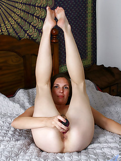 Anilos.com - Freshest mature women on the net featuring Anilos Laila anilos video