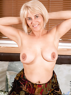 Anilos.com - Freshest mature women on the net featuring Anilos Dana anilos lesson
