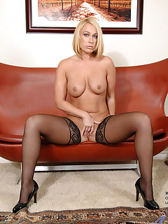 Anilos.com - Freshest mature women on the net featuring Anilos Mellanie Monroe blonde anilos