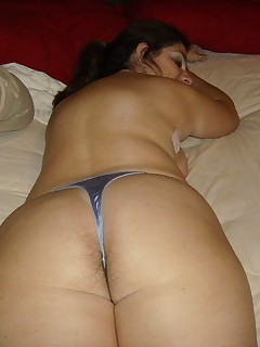 milf in thongs