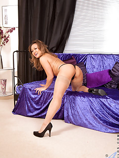 Anilos.com - Freshest mature women on the net featuring Anilos Amber milf thongs