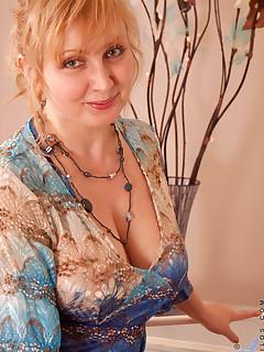 Anilos.com - Freshest mature women on the net featuring Anilos Emma moms a slut