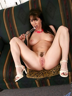 Anilos.com - Freshest mature women on the net featuring Anilos Rayveness big anilos tit