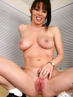 Anilos.com - Freshest mature women on the net featuring Anilos Rayveness amateur anilos