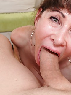 MILF Alexandra Silk tries to deepthroat a big cock