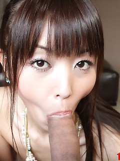 Petite Asian Marica Hase eager to get a cum facial