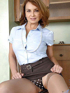 Anilos.com - Freshest mature women on the net featuring Anilos Rebecca Bardoux anilos nextdoor