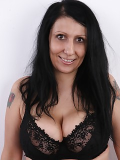Todays CzechCasting is really juicy. Admirers of experienced women and boob experts are going to enjoy this one...