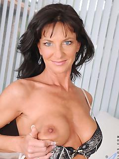 Anilos.com - Freshest mature women on the net featuring Anilos Sarah Bricks milf pussy