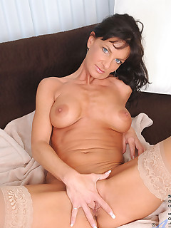 Anilos.com - Freshest mature women on the net featuring Anilos Sarah Bricks milf pussy