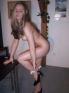 Pictures of a gorgeous wife posing naked