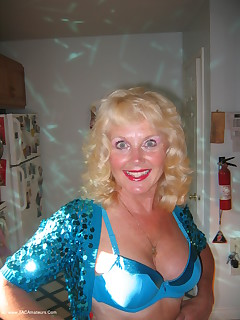 Amateur homemade MILF TAC gallery Cougar,MILF,United States