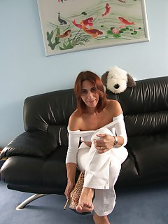 Amateur homemade MILF TAC gallery Cougar,MILF,United Kingdom