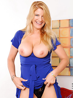 Anilos.com - Freshest mature women on the net featuring Anilos Robbye Bentley anilos mom