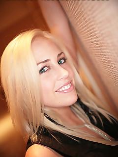 sexy blonde hottie sucks cock swallows jizz