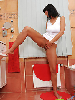 Anilos.com - Freshest mature women on the net featuring Anilos Chelsea naughty anilos
