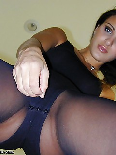 Andie Valention spreads wide