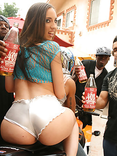 40OzBounce.com Stacked brunette Kelly gets a 40 poured on her ass