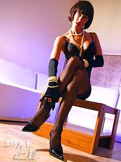 LilyWOW: The Corrupt Leggy MILF in Stockings Nylons and Pantyhose!