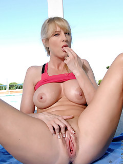 Anilos.com - Freshest mature women on the net featuring Anilos Bethany Sweet milf nude