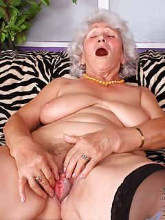 Anilos.com - Freshest mature women on the net featuring Anilos Betty anilos pussy