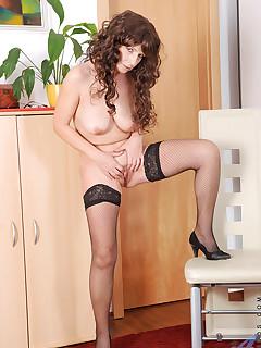 Anilos.com - Freshest mature women on the net featuring Anilos Tina mature nude
