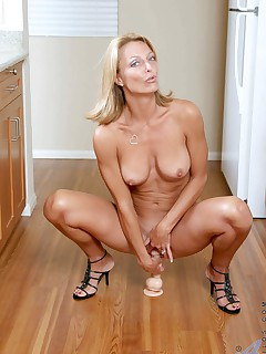 Anilos.com - Freshest mature women on the net featuring Anilos Brenda James horny mature