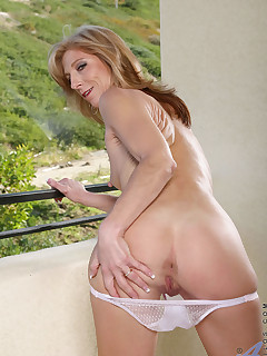 Anilos.com - Freshest mature women on the net featuring Anilos Dee Dee mature swinger