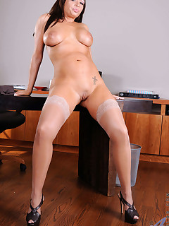 Anilos.com - Freshest mature women on the net featuring Anilos Vannah Sterling horny milf