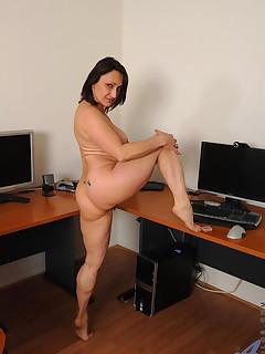 Anilos.com - Freshest mature women on the net featuring Anilos Jillian Foxxx mature pussy