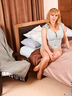 Anilos.com - Freshest mature women on the net featuring Anilos Emma anilos pussy