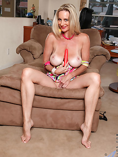 Anilos.com - Freshest mature women on the net featuring Anilos Cassy Torri anilos nude wife