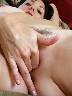 Anilos.com - Freshest mature women on the net featuring Anilos Katie mature nude woman