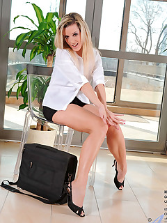 Anilos.com - Freshest mature women on the net featuring Anilos Lenny big milf