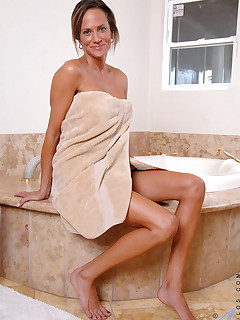 milf in bathroom