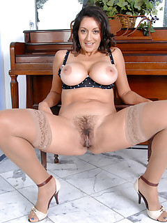 Anilos.com - Freshest mature women on the net featuring Anilos Persia Monir mature post