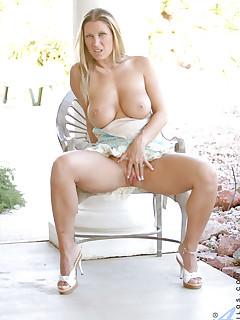 Anilos.com - Freshest mature women on the net featuring Anilos Devon Lee lady anilos