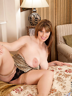 Anilos.com - Freshest mature women on the net featuring Anilos Josephine James anilos tit