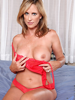 Anilos.com - Freshest mature women on the net featuring Anilos Jodi West anilos exposed