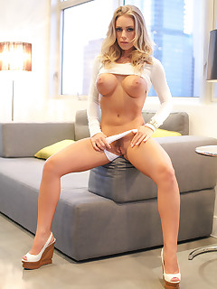 Young Mom Nicole Aniston Fucks Her Toy Boy.